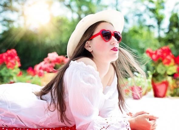 pretty-woman-812878_1280
